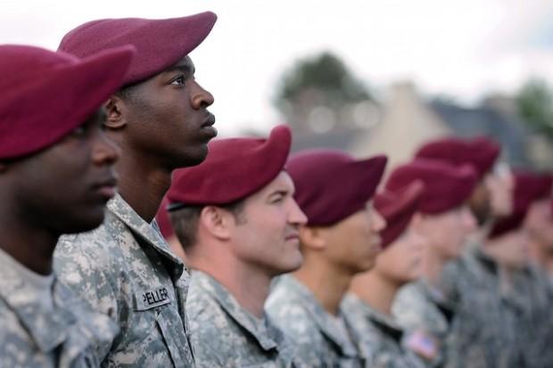 نیروهای آمریکایی مراسم روز دی را گرامی داشتند - عکس از آژانس خبری فرانسه