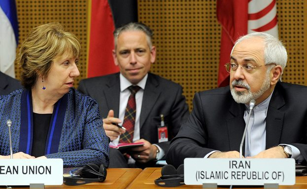 ظریف: وجود اختلاف بر سر محتوا و نحوه نگارش توافقنامه جامع هسته ای