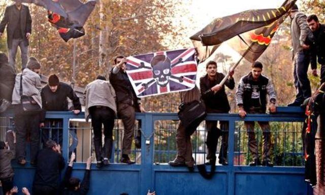 """اخطار """"دانشجویان بسیجی"""" درباره بازگشایی سفارت بریتانیا در تهران"""