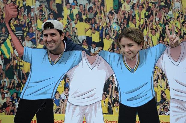 تصاویر حاشیه های بازی انگلیس-اروگوئه
