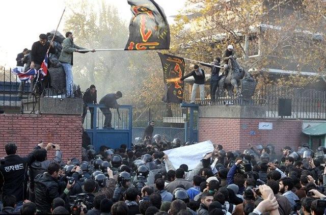 مجلس ایران درباره پرداخت غرامت به بریتانیا هشدار داد