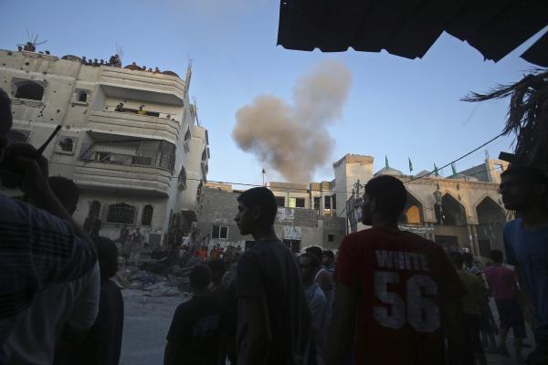 دحلان: حماس مقصر عدم دخالت قاهره در حملات هوایی اسراییل است