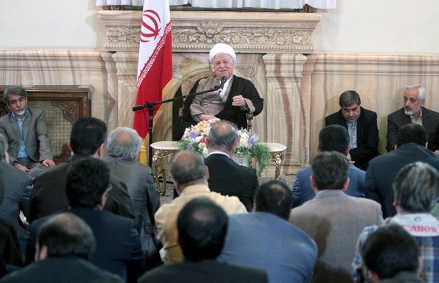 هاشمی رفسنجانی: سانسورچی ها بدانند دل مردم با حقیقت همراه است