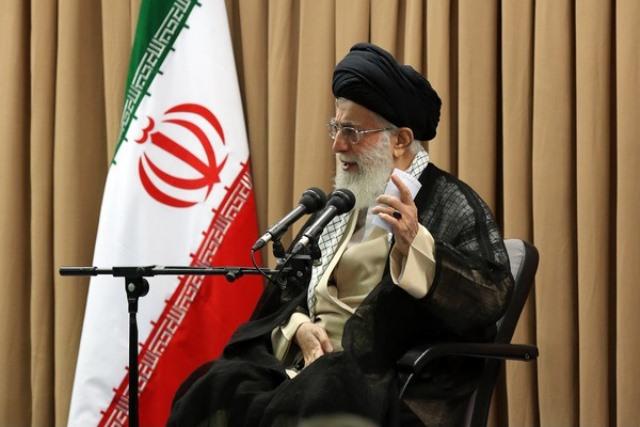 رهبر ایران: به تیم مذاکره کننده هسته ای اعتماد دارم