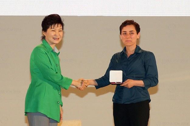 یک ایرانی اولین زن برنده معتبرترین جایزه جهانی ریاضی شد