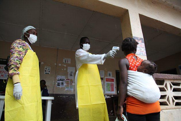تعداد کشته های ابولا از مرز ۱۰۰۰ نفر گذشت