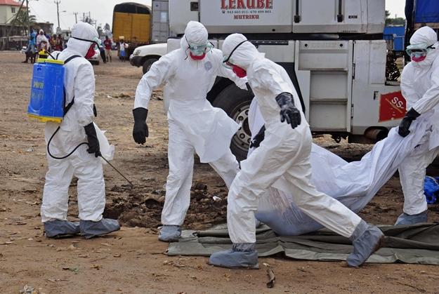 ابولا: تشخیص، کنترل و مرگ به روایت تصویر