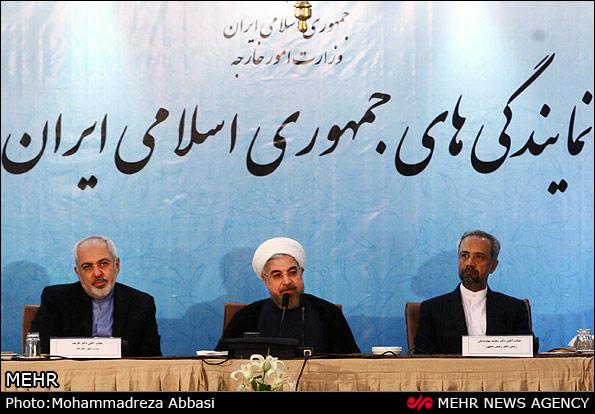 روحانی: عده ای به ظاهر شعار می دهند، ولی بزدل سیاسی هستند