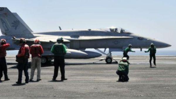 """عراق: واشنگتن حملات هوایی خود علیه """"داعش"""" را به تشکیل دولت وفاق ربط داده است"""