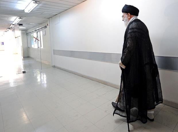 آیتالله خامنهای: ایران دعوت آمریکا برای همکاری علیه داعش را رد کرد