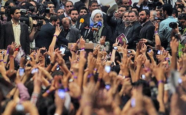 روحانی: اقتصاد ایران از رکود عبور کرده است