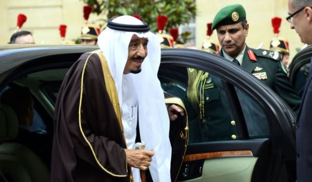 گفتگوی ولیعهد سعودی با مقامات بلندپایه فرانسه