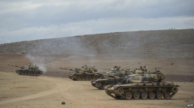 استقرار تانک های ترکیه در نزدیکی مرز سوریه - عکس از خبرگزاری فرانسه