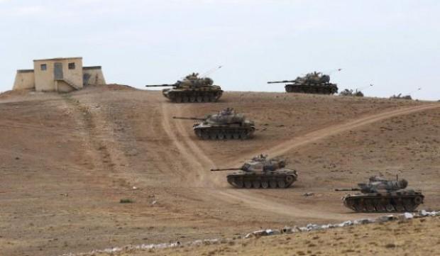 تانک های ارتش ترکیه در استان شانلی اورفه در مرز با سوریه مستقر شده اند – عکس از رویترز