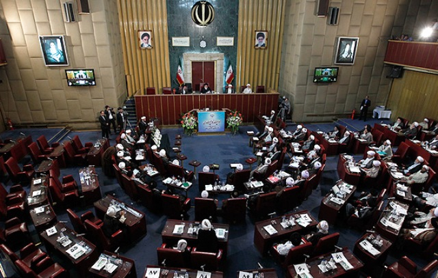 جنجال بر سر احتمال نامزدی هاشمی رفسنجانی برای ریاست مجلس خبرگان ایران