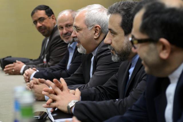 اصرار ایران به لغو تحریمها بلافاصله پس از توافق احتمالی و مخالفت غرب