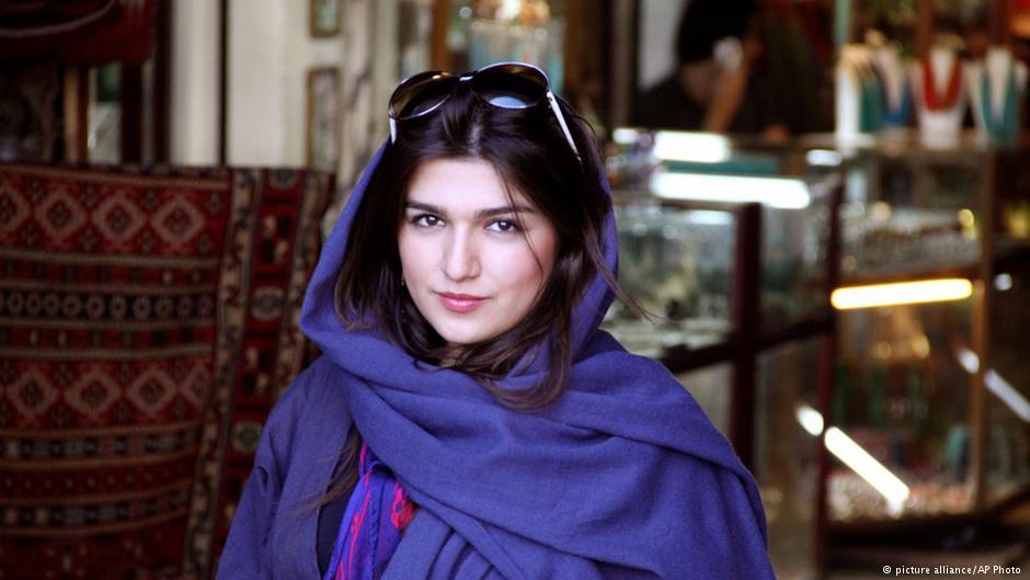 اعتصاب غذای خشک غنچه قوامی در زندان اوین