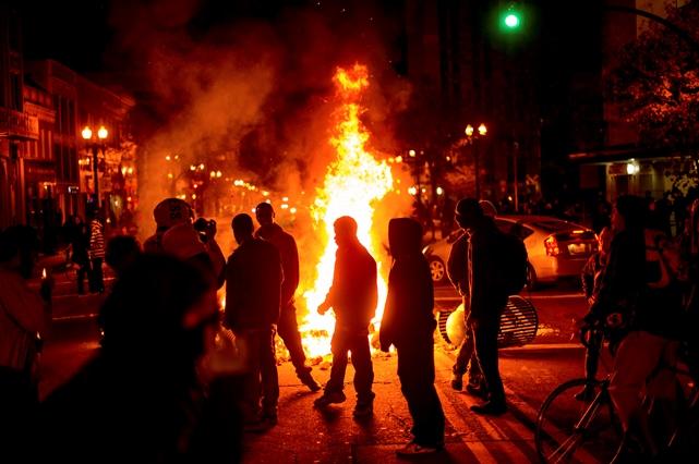 حکم دادگاه فرگوسن، اعتراضات مردمی در آمریکا را به دنبال داشت
