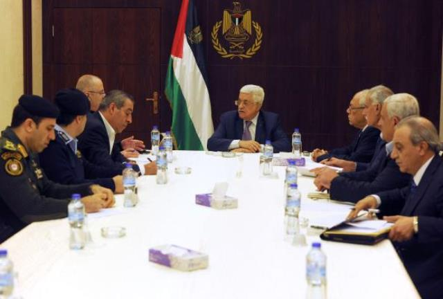 محمود عباس خواستار توقف اقدامات تنش زا در قدس شد