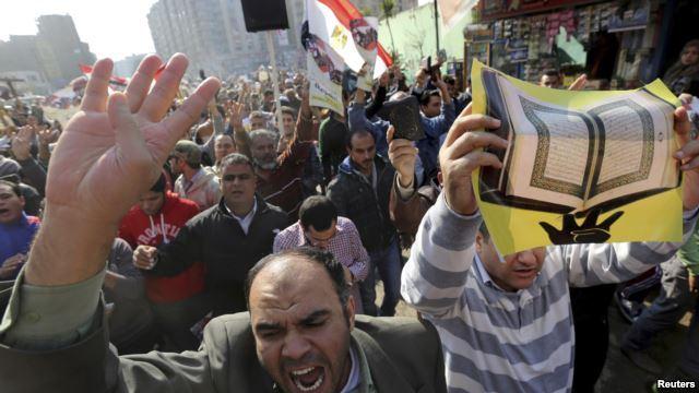 کشته شدن ۲ نفر در اعتراضات علیه حکم تبرئه حسنی مبارک