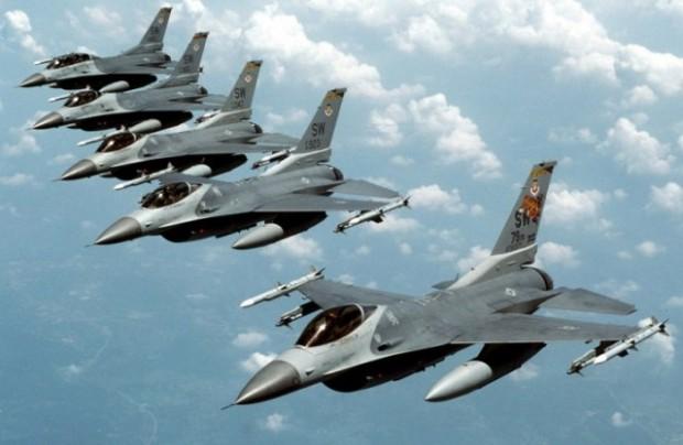 حملات هوایی آمریکا و متحدانش در ائتلاف ضد داعش علیه این گروه ادامه دارد - عکس از رویترز