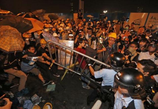 تداوم اعتراضات طرفداران دموکراسی در هنگ کنگ