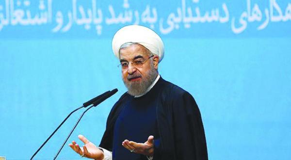 روحانی به تندروها می تازد و خواستار پایان دادن به انزوای بین المللی تهران می شود