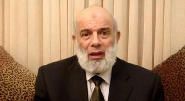 پس از تسلیت گفتن جماعت به فرانسه یکی از رهبران اخوان آنها را به خیانت متهم می کند