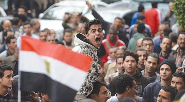 مصر: خشونت، کشته و زخمی و درگیری در سالگرد انقلاب ۲۵ ژانویه