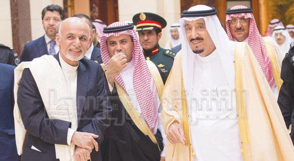 پادشاه عربستان با رئیس جمهور افغانستان جلسه گفتگو برگزار می کند و قضایای منطقه ای را مورد بحث قرار می دهد