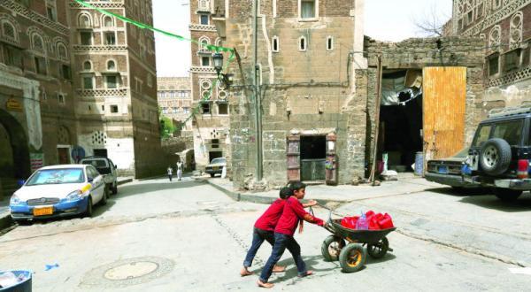 رهبران حوثی با پیش بینی عملیات زمینی خانواده های خود را از صنعا فراری داده اند