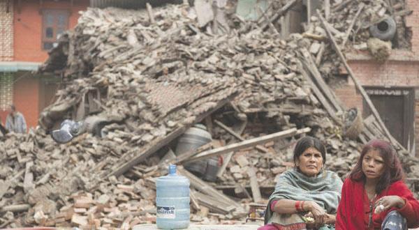 نپال در وحشت پس لرزه ها.. آمار تلفات ۲۵۰۰ تن