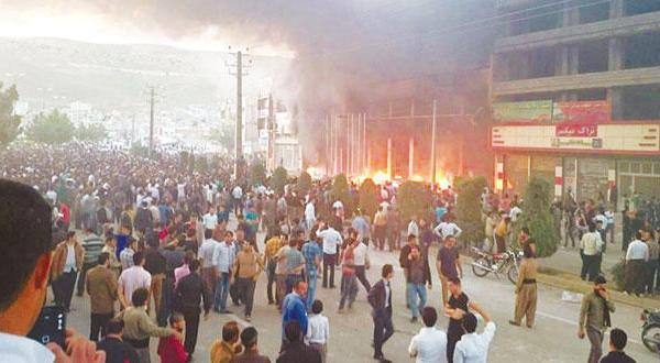 اعتراضات مهاباد گسترش می یابد… کردهای ایران اتاق عملیات تشکیل می دهند