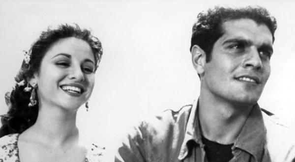 عمر شریف و فاتن حمامه در صحنه ای از فیلم « درگیری درون دره»