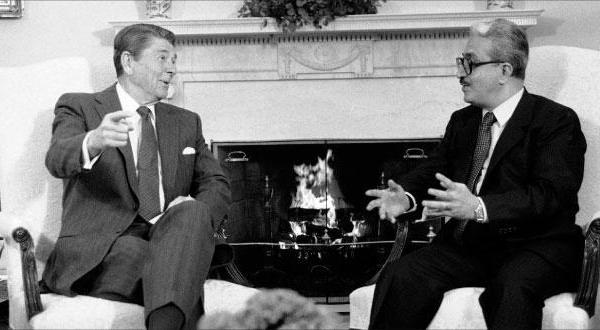 حقیقت رابطه عزیز با صدام چه بود؟