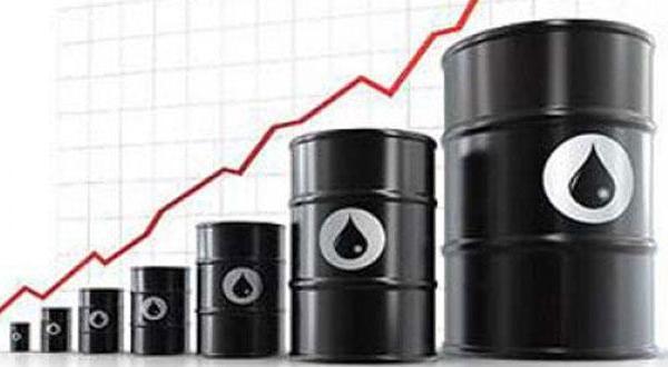 ایالات متحده به عنوان بزرگ ترین تولید کننده نفت در سال ۲۰۱۴ از عربستان سعودی سبقت می گیرد