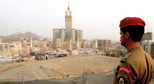 ملک سلمان: عربستان سعودی میانه روی را گسترش می دهد… دسته بندی مذهبی را رد می کنیم