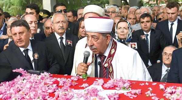 مخالفان ترکیه با درخواست از اردوغان برای تحویل پسر خود به دادگستری فشار بیشتری بر او وارد می آورند