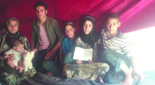 پناهنده سوری که آنجلینا جولی با او ملاقات کرد: دخترش را با خود آورده بود تا از ما یاد بگیرد