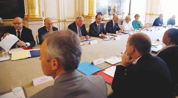 پاریس برای توقف جاسوسی بر متحدان از اوباما پایبندی به «قواعد رفتاری» را خواستار می شود