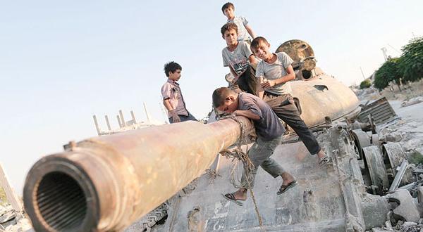 کردهای سوریه به سمت «پایتخت داعش» پیش روی می کنند… و سازمان سر در گم می شود