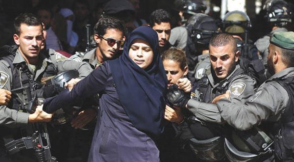 پلیس اسرائیل حیاط مسجد الاقصی را به میدان جنگ تبدیل می کند
