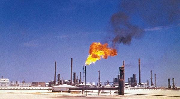 «مرخصی نامحدود» به کارمندان، هشداری به طولانی شدن بحران نفتی «الوفره» بین عربستان سعودی و کویت
