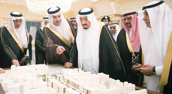 پادشاه عربستان سعودی: توسعه مسجد الرسول به مردم این شهر و زائران خدمت می کند