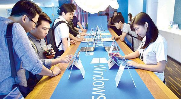 چهارده میلیون کاربر کامپیوتر «ویندوز ۱۰» را در اولین روز راه اندازی آن، آزمایش می کنند