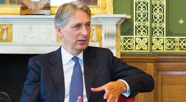 وزیر خارجه انگلیس: ایران کشوری سرکش است… از امنیت خلیج محافظت می کنیم