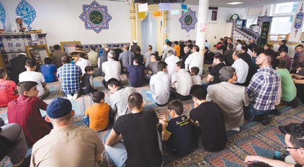 «نبرد مساجد» در مصر شدت می گیرد