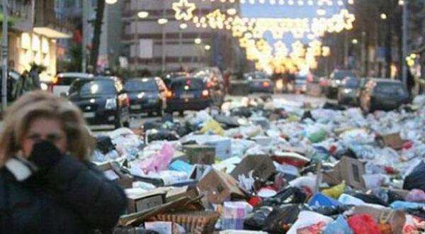 بحران زباله بیروت را شعله ور می کند و مردم خواستار استعفای سلام می شوند