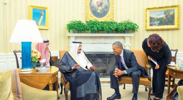 ملک سلمان به هنگام دیدار با باراک اوباما در دفتر وی در کاخ سفید – عکس از آسوشیتد پرس