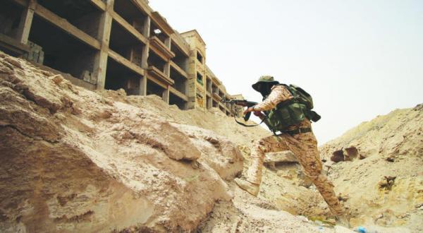 آمریکایی ها حملات ارتش عراق و شبه نظامیان در انبار را متوقف می کنند